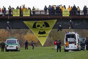 Αντίδραση για τη μεταφορά πυρηνικών αποβλήτων με τρένο