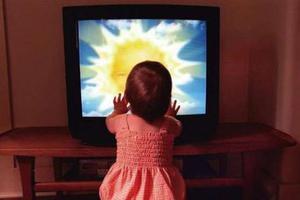 Η οικονομική κρίση «εκτόξευσε» την τηλεθέαση