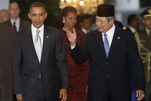 Ο Ομπαμα επιστρέφει εκεί που έζησε τα παιδικά του χρόνια