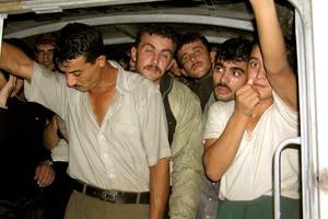 Λαθροδιακινητής μετέφερε 36 Σύρους