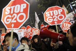 Προσπάθησε να κάψει τον εαυτό της μπροστά από τους G20