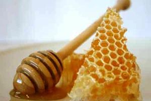 Χρηστικά tips ομορφιάς από μέλι