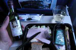 Τι παθαίνει το κρασί στο αεροπλάνο;