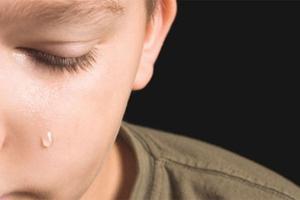 Πώς να ανακουφίσετε το παιδί σας στο πένθος