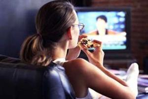 Τρώτε με ανοιχτή την τηλεόραση;