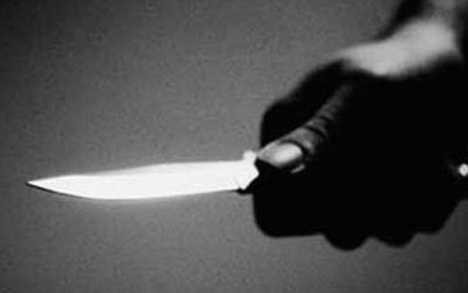 Το ακαταλόγιστο έχει νεαρός που προσπάθησε να μπει στον Πύργο του Άιφελ με μαχαίρι