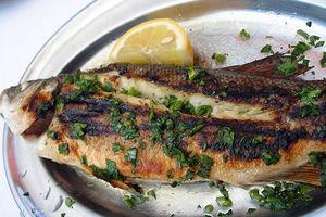Φάτε μάτια… -και παιδιά- ψάρια