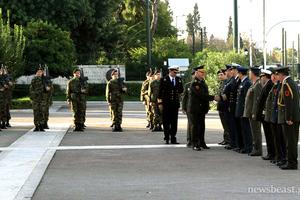 Κατάθεση στεφάνου στο Μνημείο του Άγνωστου Στρατιώτη