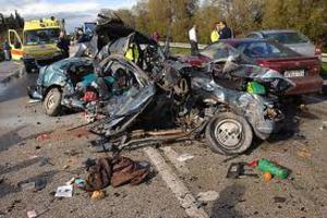 Λιγότεροι νεκροί στην άσφαλτο το 2010