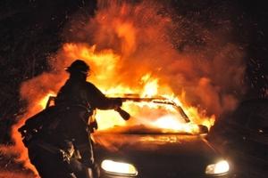 Κάηκαν 10 κάδοι στην Κυψέλη