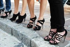 5e1d108c77e Επικίνδυνα για την εμφάνιση κιρσών τα ψηλοτάκουνα – Newsbeast