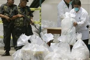 Έκαψαν ένα «βουνό» κοκαΐνης