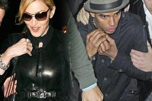 Ο σύντροφος της Madonna μιλά για τη σχέση τους