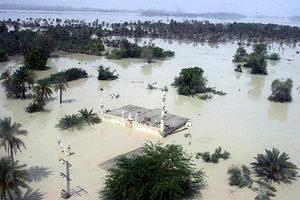 Προμήθειες στους πλημμυροπαθείς από το στρατό