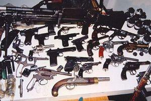 Ανακαλύφθηκε γιάφκα όπλων και ναρκωτικών
