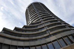 Η Τράπεζα Διεθνών διακανονισμών τα ρίχνει σε Γερμανία και Γαλλία