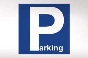 Χειροπέδες για παράνομο πάρκινγκ σε κέντρα διασκέδασης