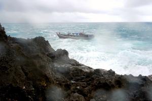 «Εν πλω» θα τη βγάζουν οι παράνομοι μετανάστες