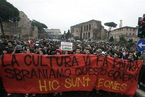 «Έφοδος» στο ιταλικό κοινοβούλιο
