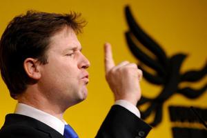Ο Κλεγκ προειδοποιεί για άνοδο του εθνικισμού