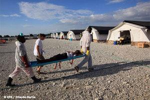 Μετά τις πλημμύρες καραδοκεί η χολέρα στην Αϊτή
