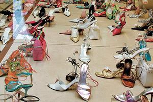 Τα παλιά σας παπούτσια μπορούν να γίνουν έργο τέχνης