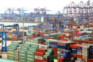 Στα 183,1 δισ. το εμπορικό πλεόνασμα της Κίνας