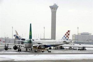Ρεβεγιόν Χριστουγέννων στο... αεροδρόμιο