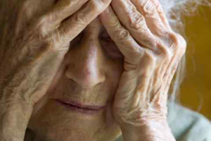 Χτύπησαν ηλικιωμένους για 320 ευρώ
