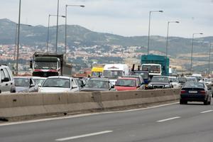 Ατύχημα με νταλίκα στην Περιφερειακή Θεσσαλονίκης