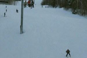 Σκιέρ παγιδεύτηκαν κάτω από τα χιόνια