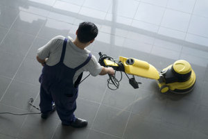 «Βροχή» μηνύσεων σε εταιρείες φύλαξης και καθαρισμού