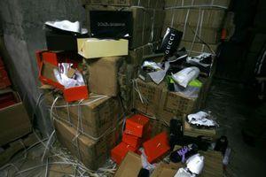 Βρέθηκαν 1,5 εκατομμύριο προϊόντα-μαϊμού στο Βοτανικό