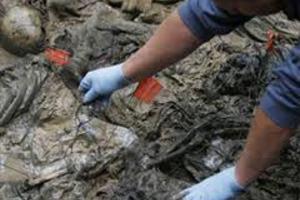 Βρέθηκε νέος ομαδικός τάφος στη Συρία