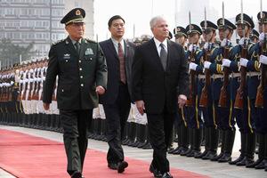 Αισιόδοξος για το ταξίδι στην Κίνα ο Αμερικανός υπουργός Άμυνας