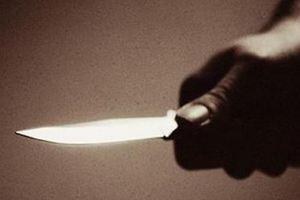 Κουκουλοφόρος με απειλή μαχαιριού