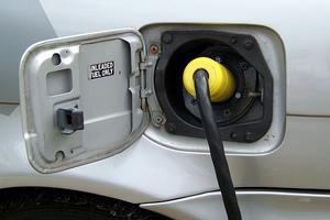 «Αργεί» η μαζική χρήση ηλεκτρικών οχημάτων