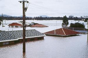Οι πλημμύρες συνδέονται με την υπερθέρμανση της Γης