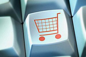Επιλέγουν το Διαδίκτυο για τις αγορές τους