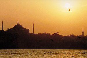 Το Μάιο πετάξτε για Κωνσταντινούπολη