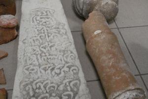 Έκρυβε τα αρχαία σε καφενείο