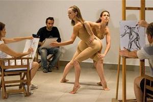 Τα μοντέλα της Σχολής Καλών Τεχνών ζητούν σταθερή δουλειά