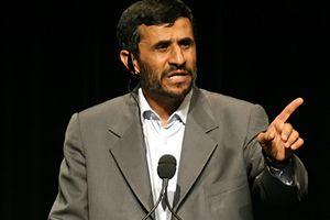 Επανεμφάνιση Αχμαντινετζάντ στο Ιράν