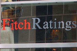 Η Fitch αναβάθμισε τέσσερις ελληνικές τράπεζες