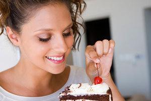 Η έλλειψη ύπνου μας ανοίγει την όρεξη για γλυκά