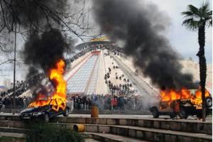 «Καταδικάζουμε τη βία στα Τίρανα»
