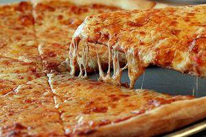 Φτιάξτε μόνες σας τη ζύμη για την πίτσα