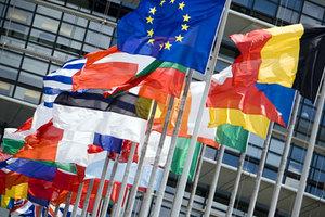 Ένας στους τρεις Ευρωπαίους «βλέπει» οφέλη από την Ε.Ε