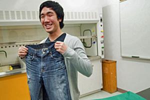 Φορέστε το τζιν σας 15 μήνες χωρίς να το πλύνετε!