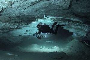 Υποθαλάσσιες σπηλιές